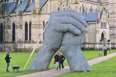 Sophie Ryder Art Exhibition på den Salisbury domkyrkan Arkivfoto