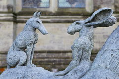 Sophie Ryder sztuki wystawa przy Salisbury katedrą Zdjęcia Stock