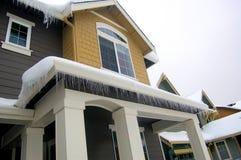 Sople drapują domowego roofline zdjęcia stock