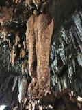 Soplenowie i stalagmity Gyokusendo jama w Japonia obrazy royalty free