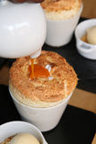 Soplo de la clara de huevo Foto de archivo libre de regalías