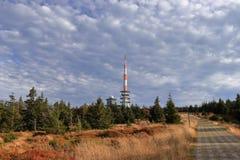Soporte Brocken en otoño El pico más alto de la cordillera de Harz, Sajonia-Anhalt, Alemania foto de archivo