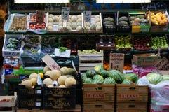Soporte de fruta al aire libre imagen de archivo