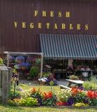 Soporte de la granja de las verduras frescas Imagen de archivo libre de regalías