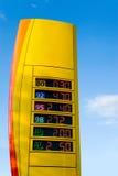Soporte de los precios de la gasolina Fotos de archivo