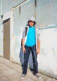 Soporte del adolescente al aire libre Imagenes de archivo