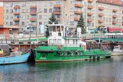Soporte del barco de motor en una litera Foto de archivo