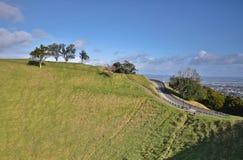 Soporte Eden Mount oakland En alguna parte en Nueva Zelandia Imágenes de archivo libres de regalías