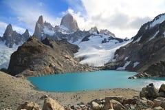 Soporte Fitz Roy, EL Chalten, la Argentina Fotos de archivo