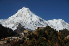 Soporte Manaslu en Nepal Himalaya fotografía de archivo