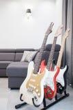 Soporte para las guitarras fotos de archivo libres de regalías