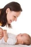 Soportes y asimientos de la mama el bebé imágenes de archivo libres de regalías