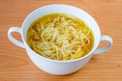 Soppa för nötköttbuljong med pasta Royaltyfria Foton