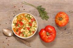 Soppa med grönsaken och pasta royaltyfria bilder