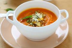 Soppa med pumpa och gorgonzola fotografering för bildbyråer