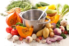 Soppa och ingrediens royaltyfria bilder
