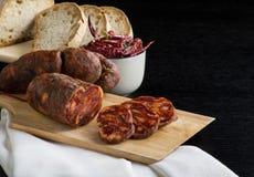 Soppressata,意大利蒜味咸腊肠特点卡拉布里亚 库存照片