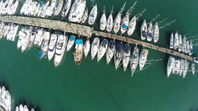 Sopra gli yacht video d archivio