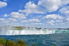 Sopra il bordo del cascate del Niagara Fotografia Stock