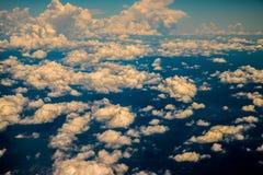Sopra la nuvola dalla vista aerea Fotografie Stock