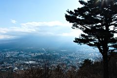 Sopra la vista del lago kawaguchi immagini stock libere da diritti