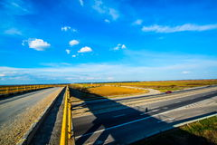 Sopra la vista di una strada principale vuota Fotografie Stock Libere da Diritti