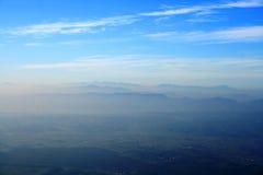 Sopra le montagne Immagine Stock