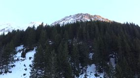 Sopra le montagne stock footage