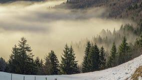 Sopra le nuvole osservate dalle alte colline Fotografia Stock Libera da Diritti