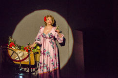 Soprana στη σκηνή Στοκ φωτογραφία με δικαίωμα ελεύθερης χρήσης