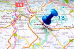Sopron на карте стоковое изображение rf
