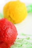 Sorbet von der Orange und von der Erdbeere Stockbild
