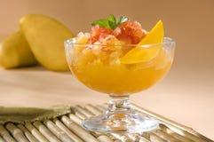 Sorbete del mango con la salsa de chile Fotografía de archivo