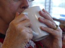 Sorbo de café Fotografía de archivo libre de regalías