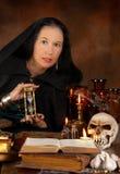 Sorceress e clessidra Immagine Stock Libera da Diritti