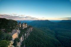Sorella tre nel parco nazionale blu delle montagne del punto di eco Fotografie Stock