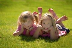 Sorelle ed amici Fotografia Stock Libera da Diritti