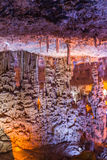 Soreqhol. Het hol van de stalactietstalagmiet. Israël Stock Fotografie