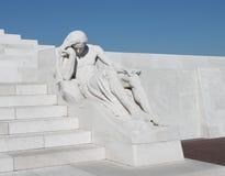 Sorgen machende Zahl Skulptur am Kanadier Vimy Ridge Memorial, Frankreich Stockfotos