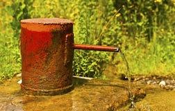 Sorgente dei pozzi d'acqua immagini stock