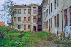 Sorgente in Lituania Vecchio castello di vista a Kaunas immagini stock libere da diritti
