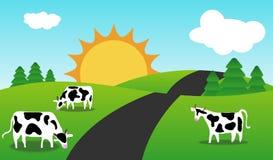 Sorgente o paesaggio di stagione di estate con le mucche. Fotografie Stock Libere da Diritti