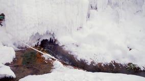 Sorgenti termali dei precedenti dell'inverno video d archivio