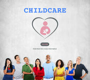Sorgfalt-Kinderbetreuungs-Liebes-Baby mach's gut Konzept Stockfotografie