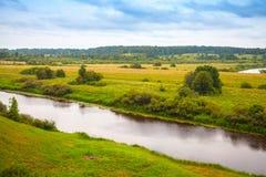 Sorot rzeka w letnim dniu, wiejski rosjanina krajobraz Obrazy Royalty Free
