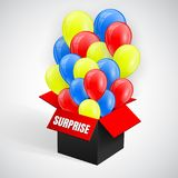 Sorprenda el cartel con el vuelo del manojo de los globos de la caja roja abierta Ilustración del vector ilustración del vector