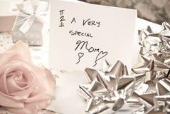 Sorpresa del día de madres Fotos de archivo libres de regalías
