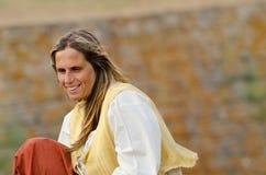Sorridere agricolo della donna Fotografie Stock Libere da Diritti