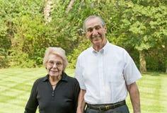 Sorridere anziano delle coppie fotografia stock libera da diritti