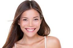 Sorridere cinese sano felice della donna di bellezza asiatica fotografie stock